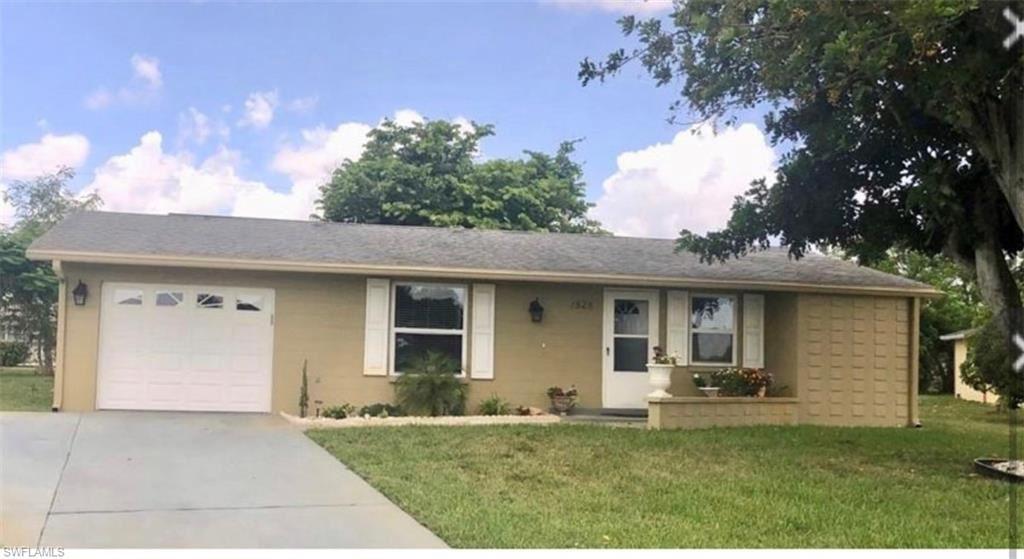 1528 Lindale Circle, Lehigh Acres, FL 33936 - #: 221056680