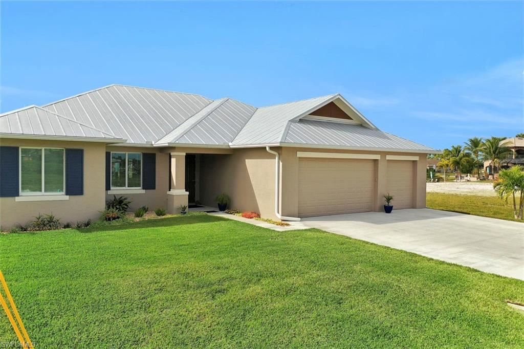 102 SW 35th Place, Cape Coral, FL 33991 - MLS#: 220003685