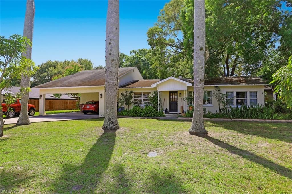 1540 Alhambra Drive, Fort Myers, FL 33901 - #: 221017687