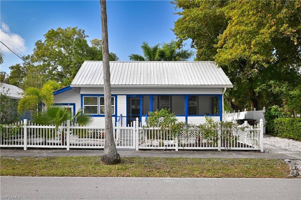 1602 Hough Street, Fort Myers, FL 33901 - #: 221007694