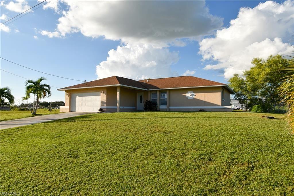 821 SE 10th Street, Cape Coral, FL 33990 - #: 221071712