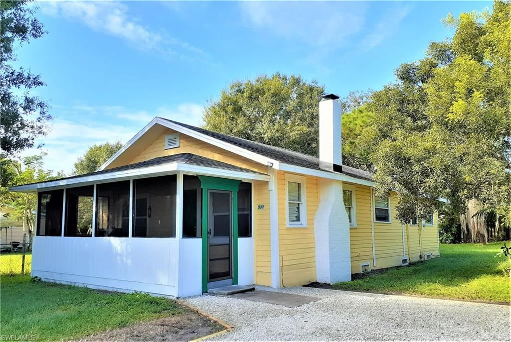 512 Ione Avenue, Fort Myers, FL 33905 - #: 221059721