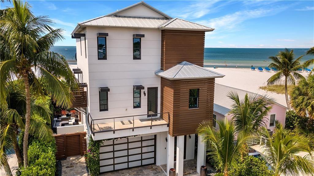 61 Delmar Avenue, Fort Myers Beach, FL 33931 - #: 221044738