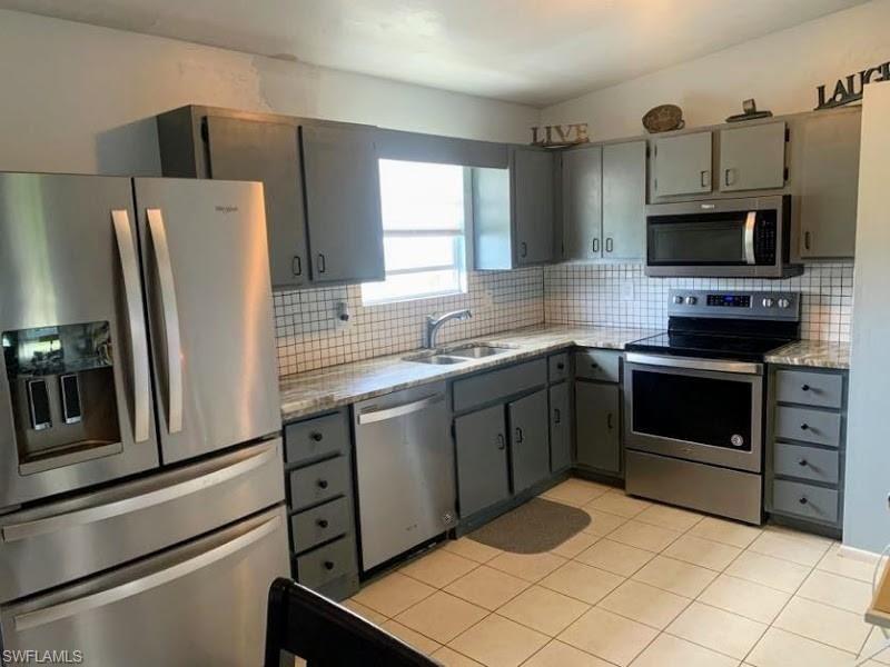 823 NE 18th Street, Cape Coral, FL 33909 - #: 221032755