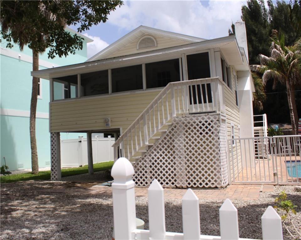 240 Pearl Street, Fort Myers Beach, FL 33931 - #: 220053769