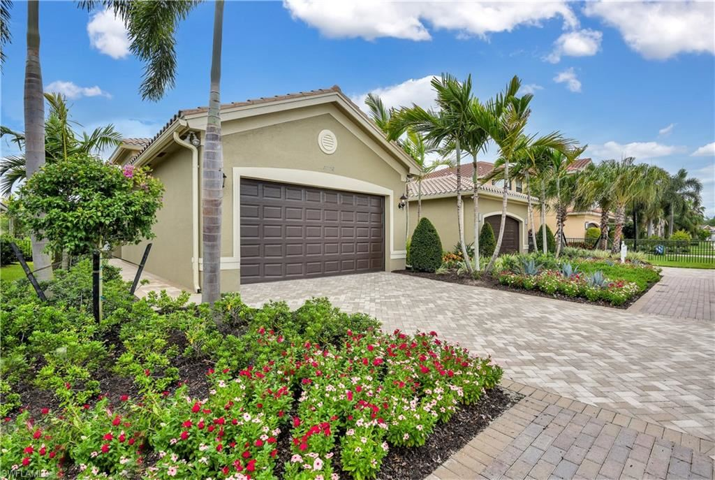 12099 Lakewood Preserve Place, Fort Myers, FL 33913 - #: 220075780