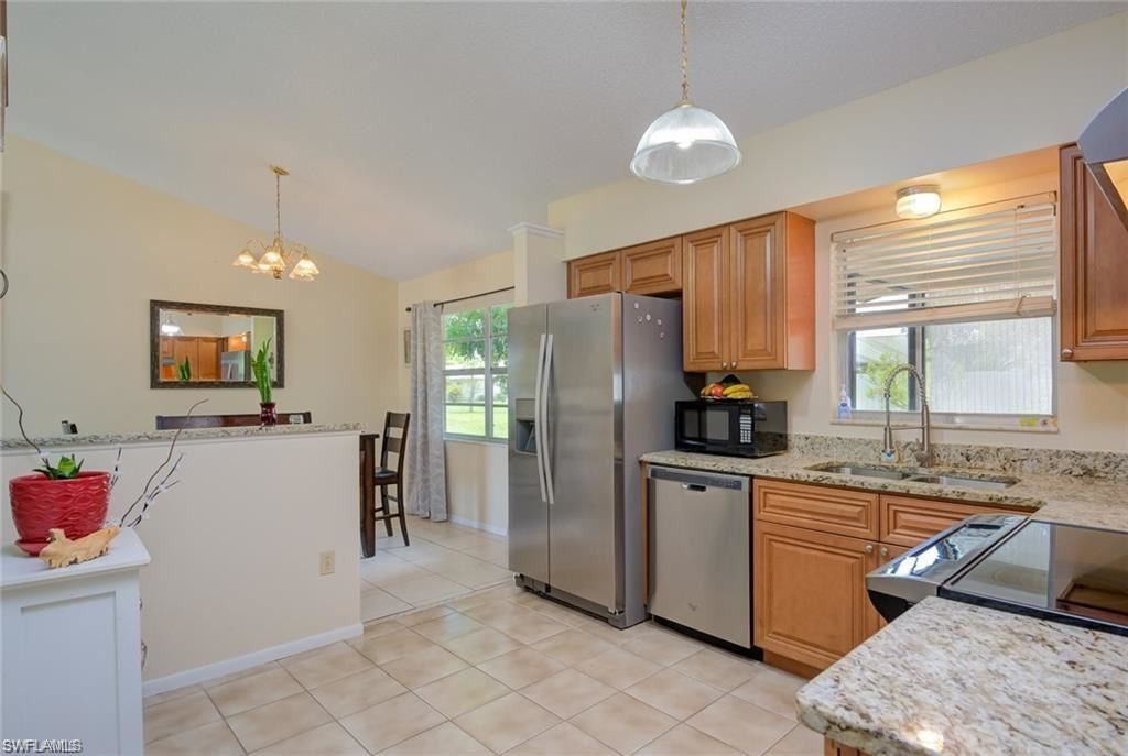 2316 Country Club Boulevard, Cape Coral, FL 33990 - #: 220042788