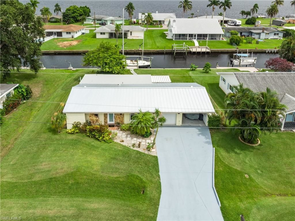 375 Bamboo Drive, North Fort Myers, FL 33917 - #: 221062793