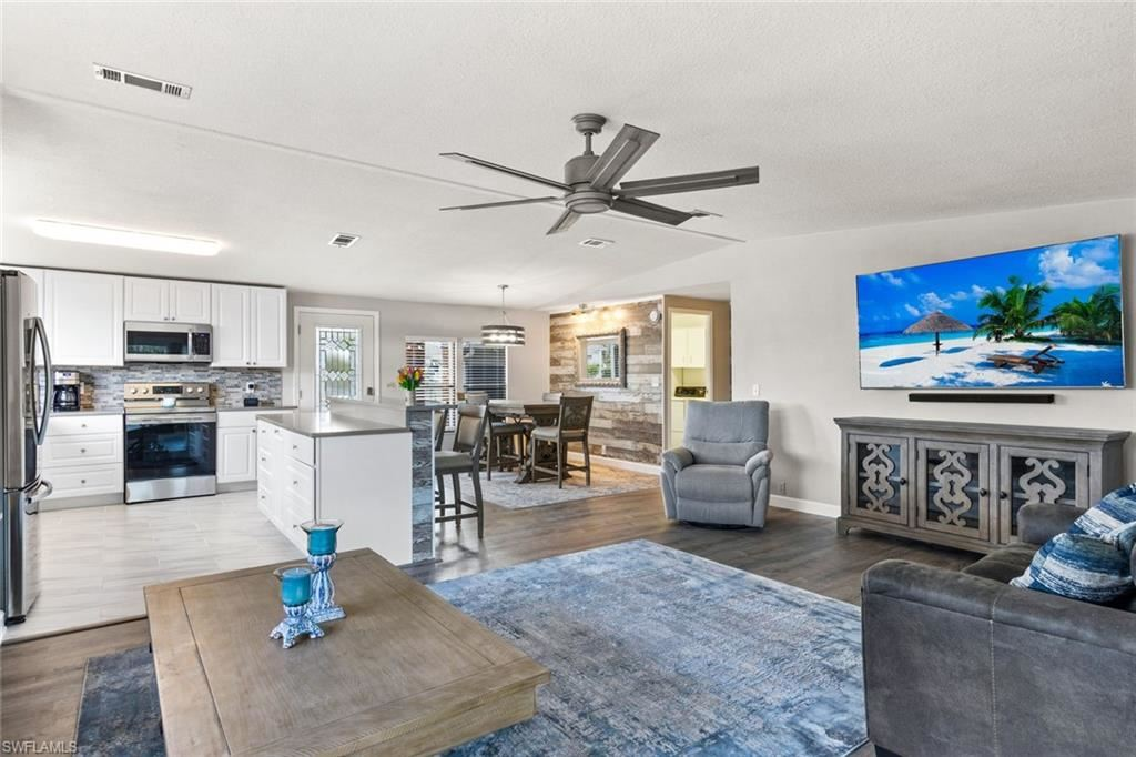 10696 Timber Pines Court, North Fort Myers, FL 33903 - #: 221009803