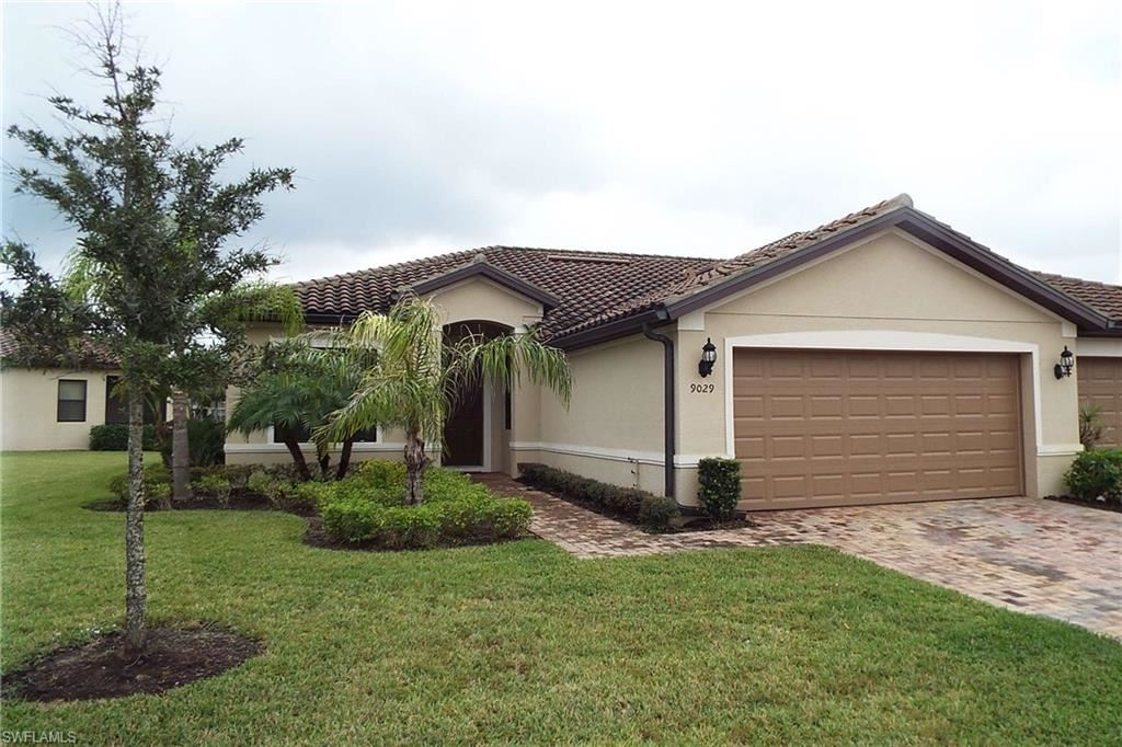 9029 Triangle Palm Lane, Fort Myers, FL 33913 - #: 220059804