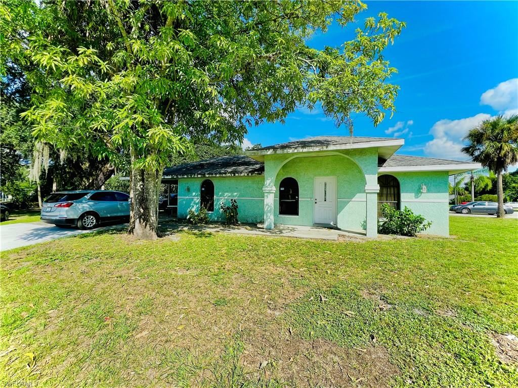 2605 Guava Street, Fort Myers, FL 33916 - #: 221029877