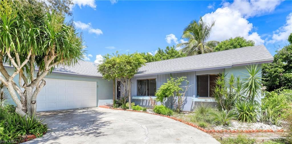 2219 SE 2nd Street, Cape Coral, FL 33990 - #: 220055878