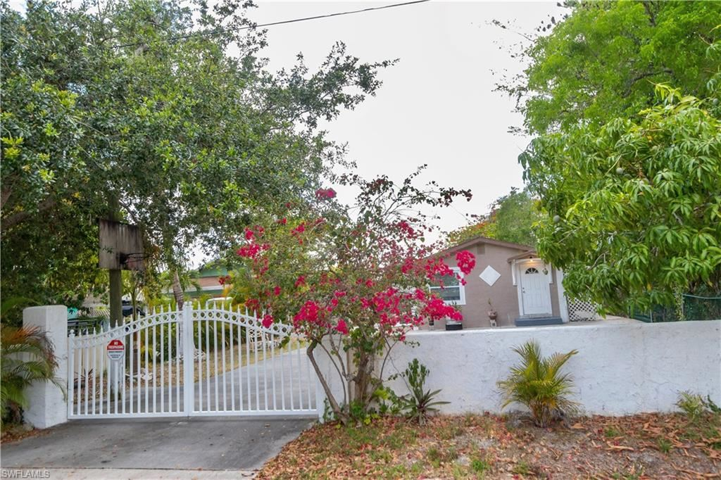 2480 Andrew Drive, Naples, FL 34112 - #: 221036885