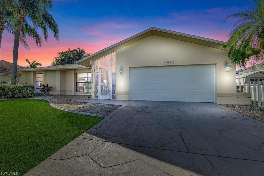 1932 SE 9th Terrace, Cape Coral, FL 33990 - #: 220074891