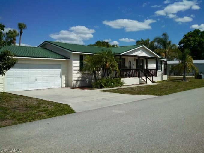 938 Yacht Club Way NW, Moore Haven, FL 33411 - #: 221027905
