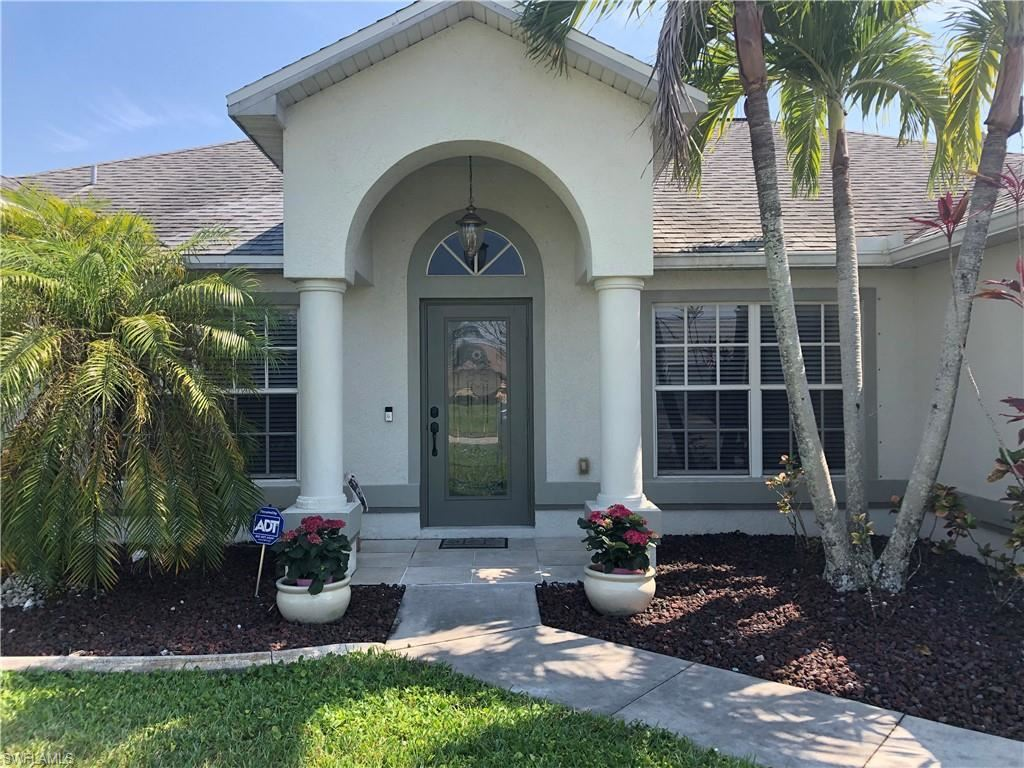 1402 SE 2nd Street, Cape Coral, FL 33990 - #: 221028911