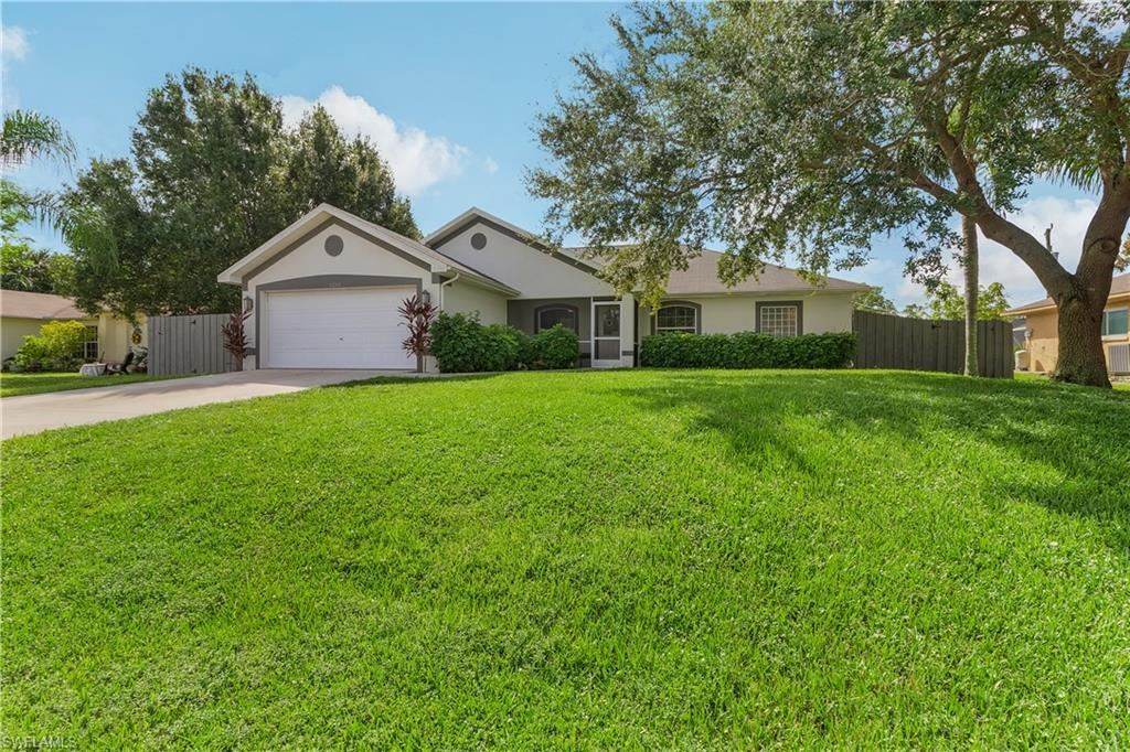 1210 SW 7th Terrace, Cape Coral, FL 33991 - #: 220056913