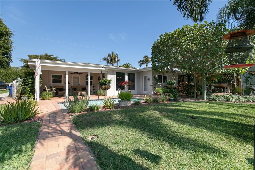 90 Cardinal Drive, North Fort Myers, FL 33917 - #: 221009926