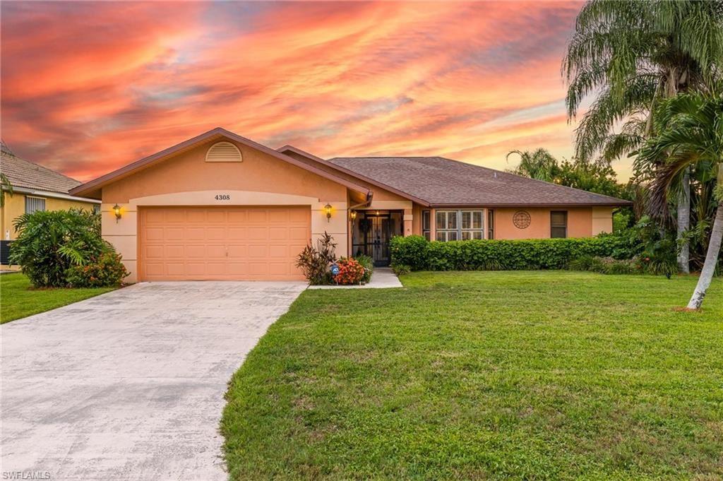 4308 SW 1st Place, Cape Coral, FL 33914 - #: 221050977