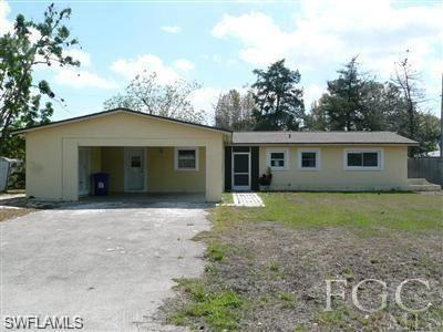 511 York Road, Lehigh Acres, FL 33936 - #: 220072980