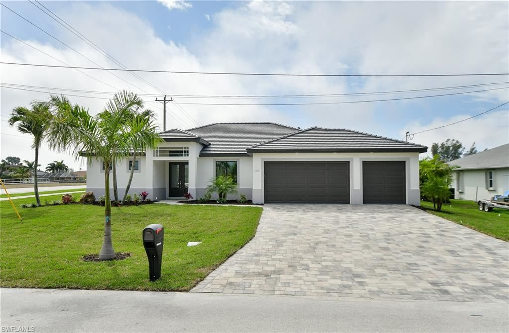2102 SW 44th Terrace, Cape Coral, FL 33914 - #: 221028988