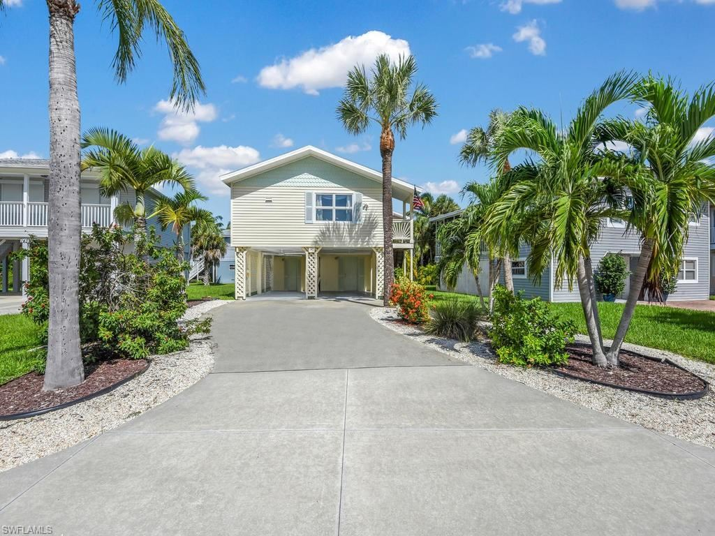 145 Hercules Drive, Fort Myers Beach, FL 33931 - #: 220055996