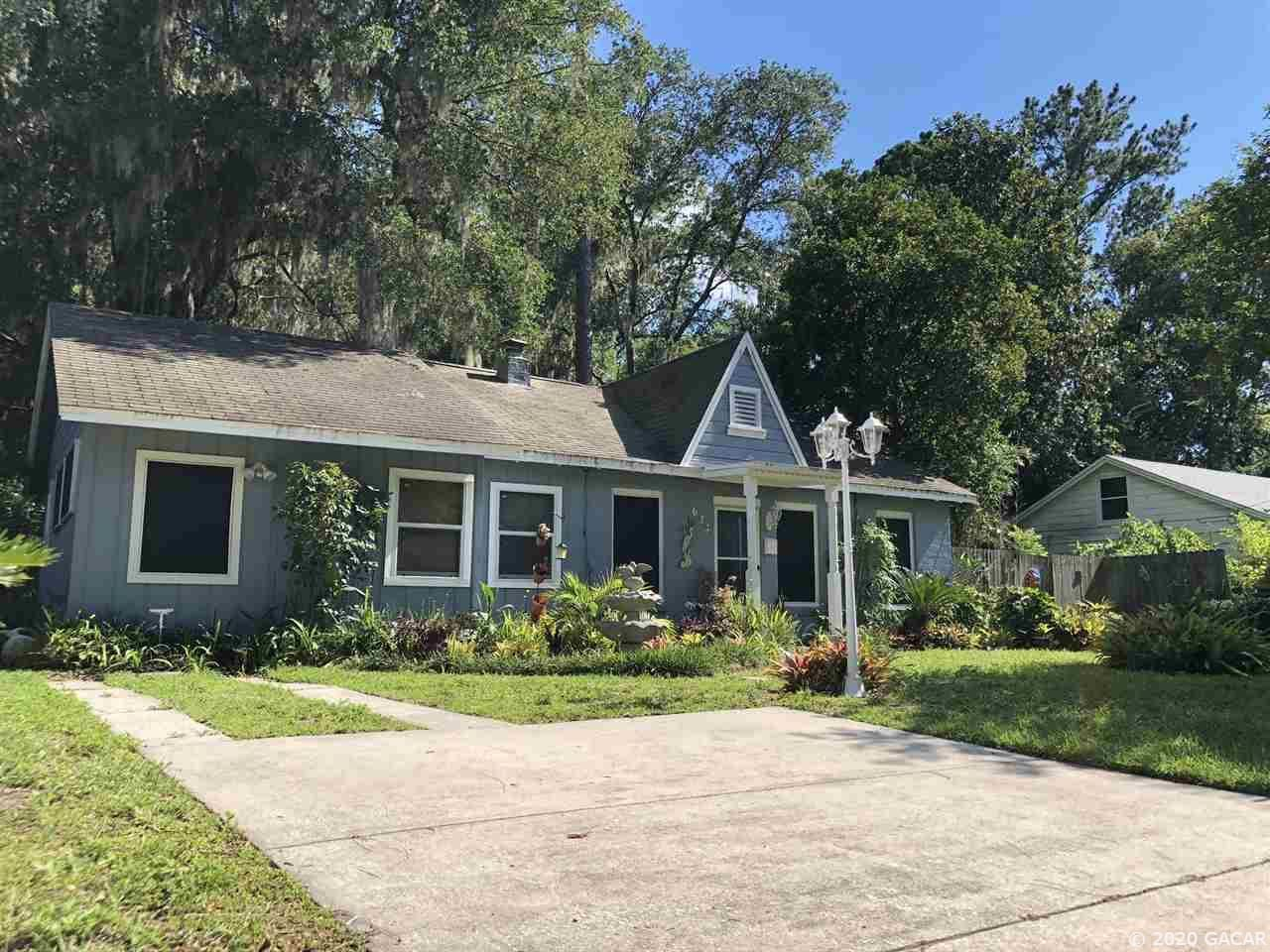 633 NE 10 Avenue, Gainesville, FL 32601 - #: 435051