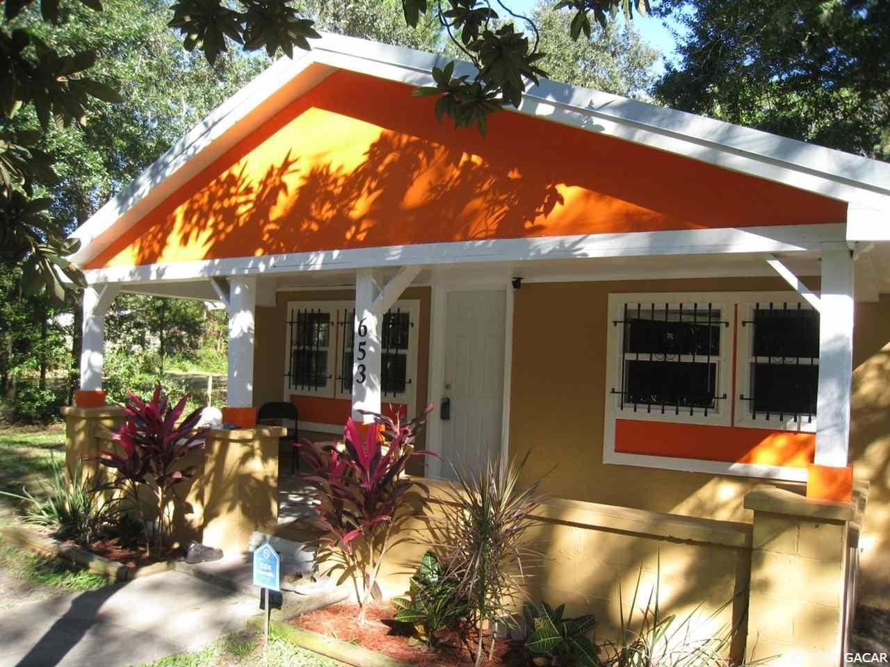 653 NE 16th Terrace, Gainesville, FL 62641 - #: 439212