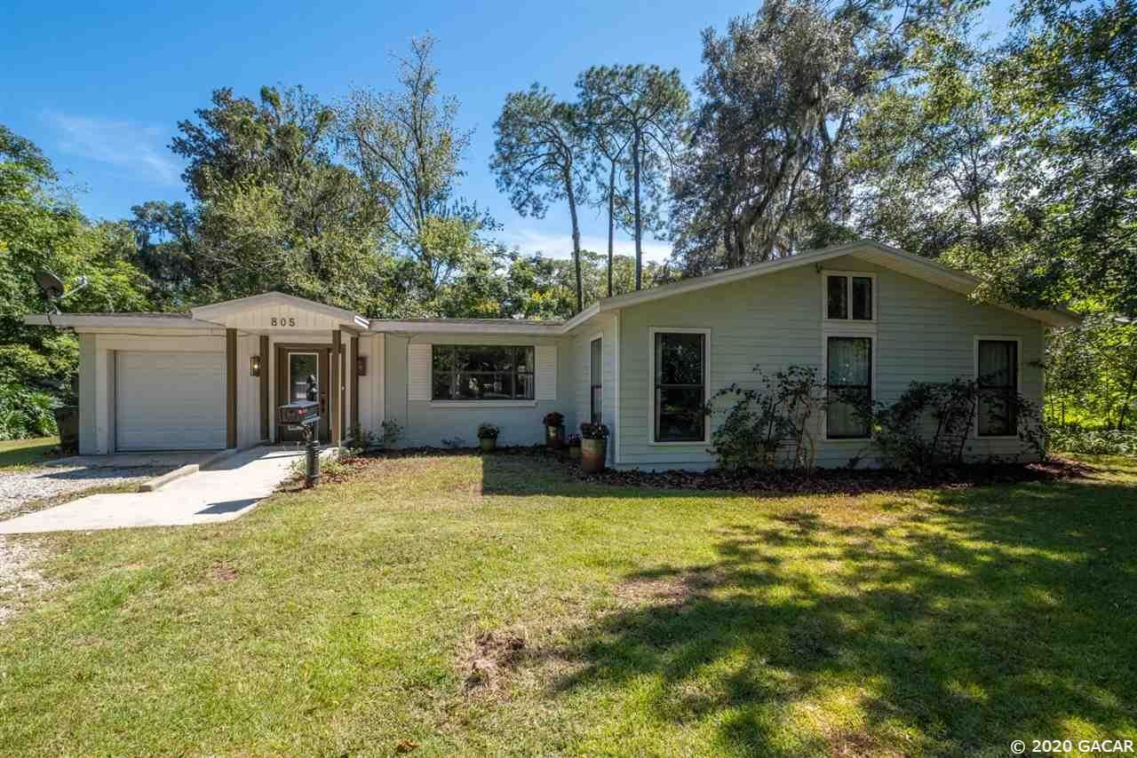 805 NE 10th Place, Gainesville, FL 32601 - #: 438497