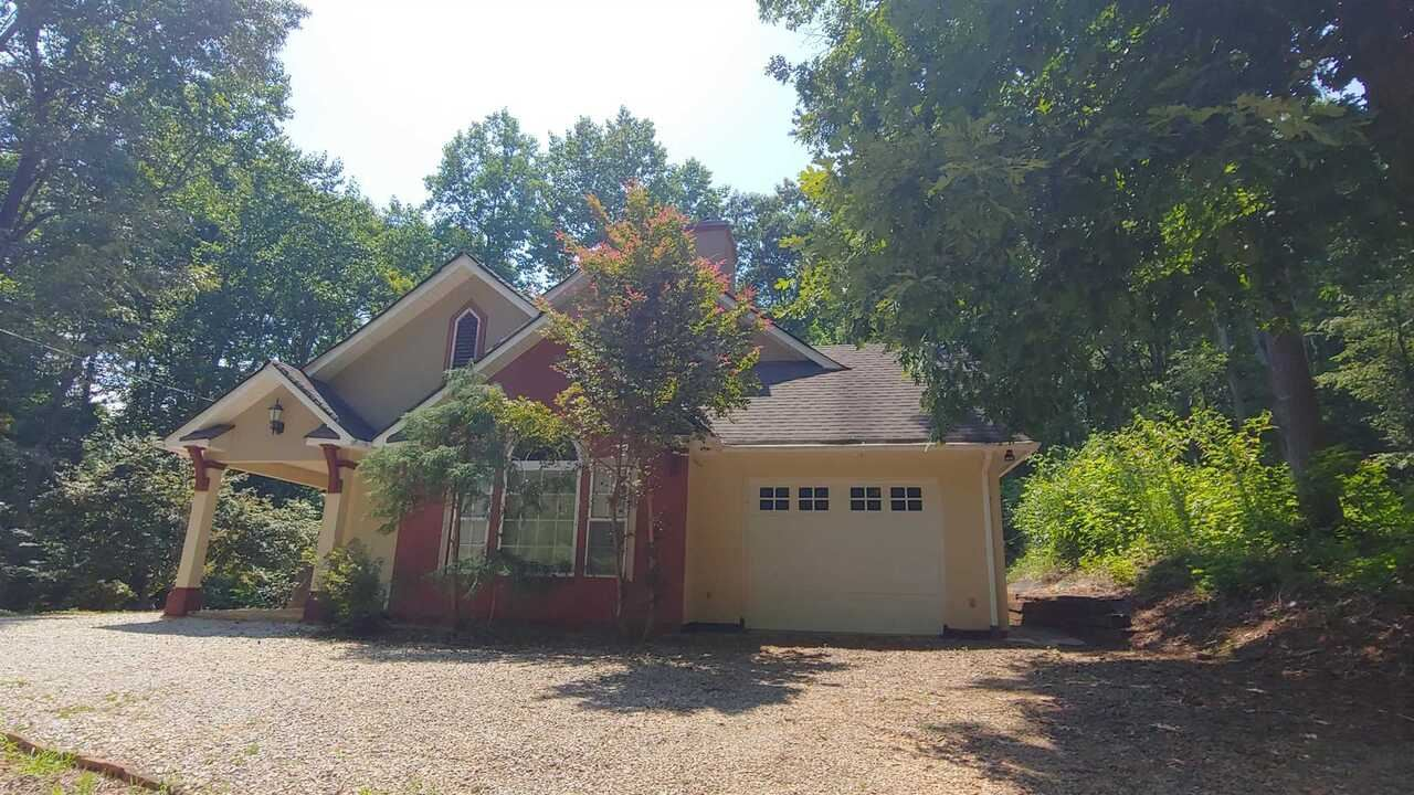 42 Hickory Place, Lavonia, GA 30553 - MLS#: 9010002