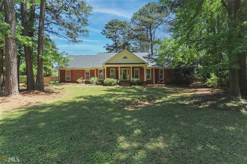 Photo of 115 Oxford Ln, Fayetteville, GA 30215 (MLS # 8972044)