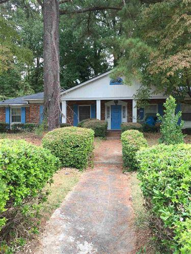 Photo of 2410 Crestknoll Cir, Decatur, GA 30032 (MLS # 8678101)
