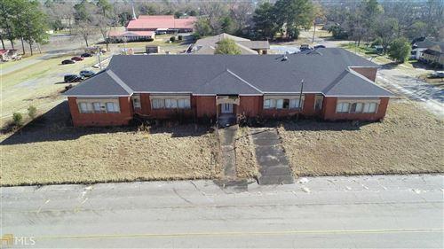 Photo of 407 N Sheridan Street, Fitzgerald, GA 31750 (MLS # 8917136)