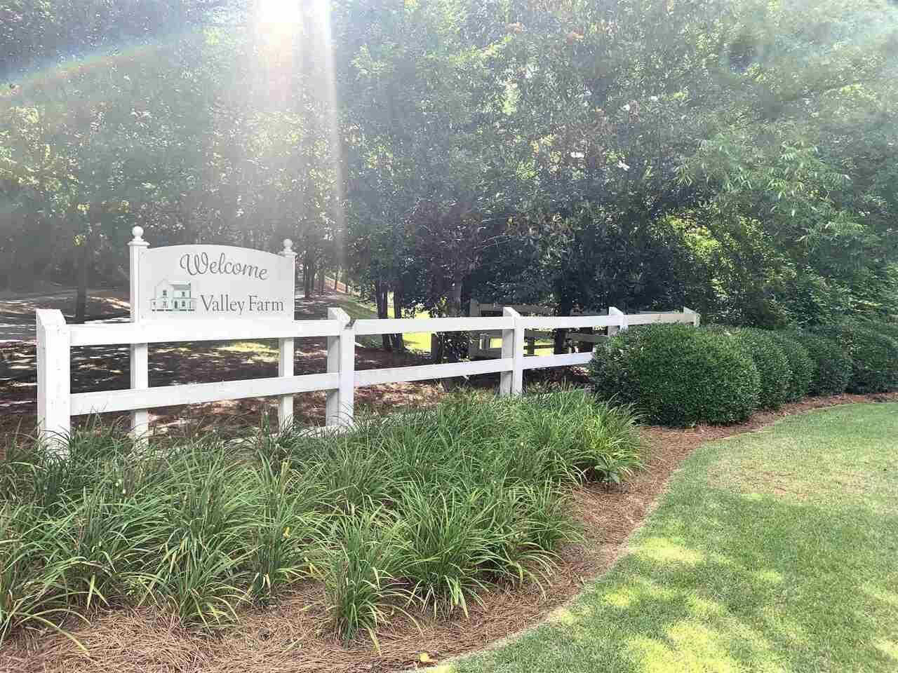 Photo of 552 Village Rd, Madison, GA 30650 (MLS # 8918255)