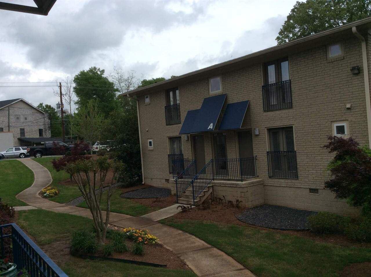 2023 Oakview Trl S, Atlanta, GA 30317 - MLS#: 8983278