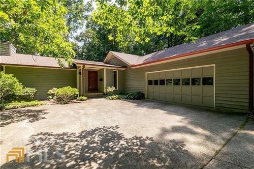 Photo of 400 Woodvine Ct, Roswell, GA 30076 (MLS # 8998316)