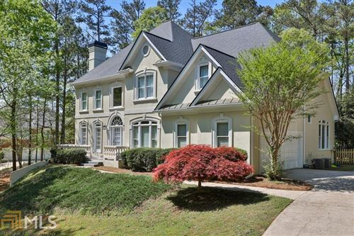 Photo of 445 Fawn Glen Dr, Roswell, GA 30075 (MLS # 8962348)