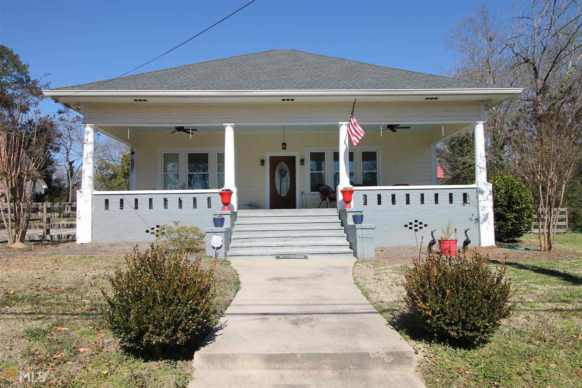 Photo of 134 W Main St, Rutledge, GA 30663 (MLS # 8939369)