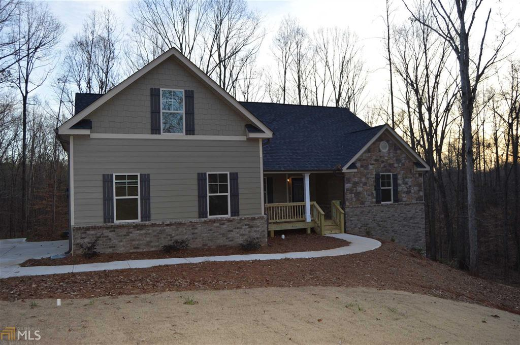 Photo for 834 Oconee Ln, Commerce, GA 30529 (MLS # 8620416)