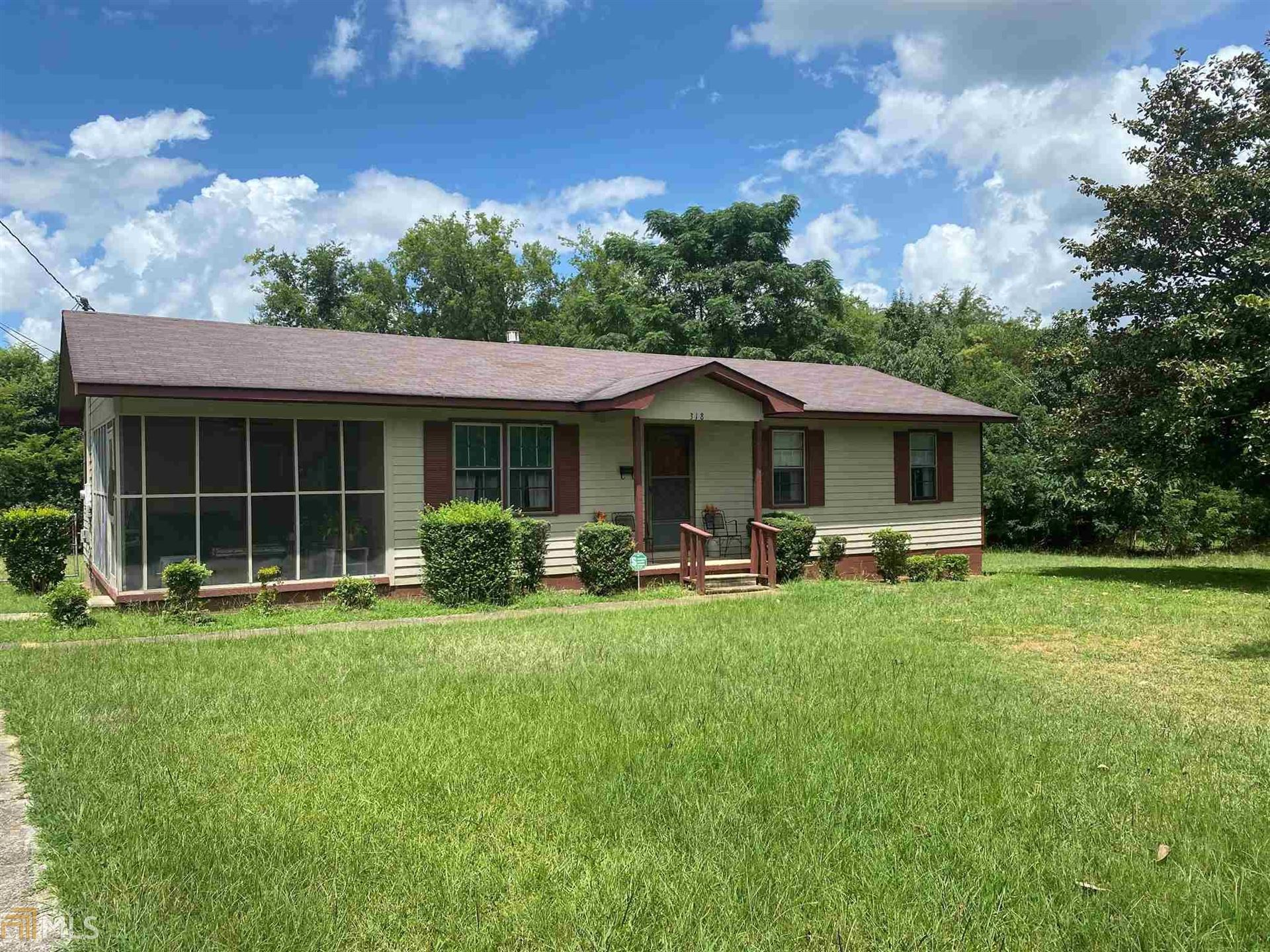 Photo of 318 W Floyd St, Sandersville, GA 31082 (MLS # 8833432)
