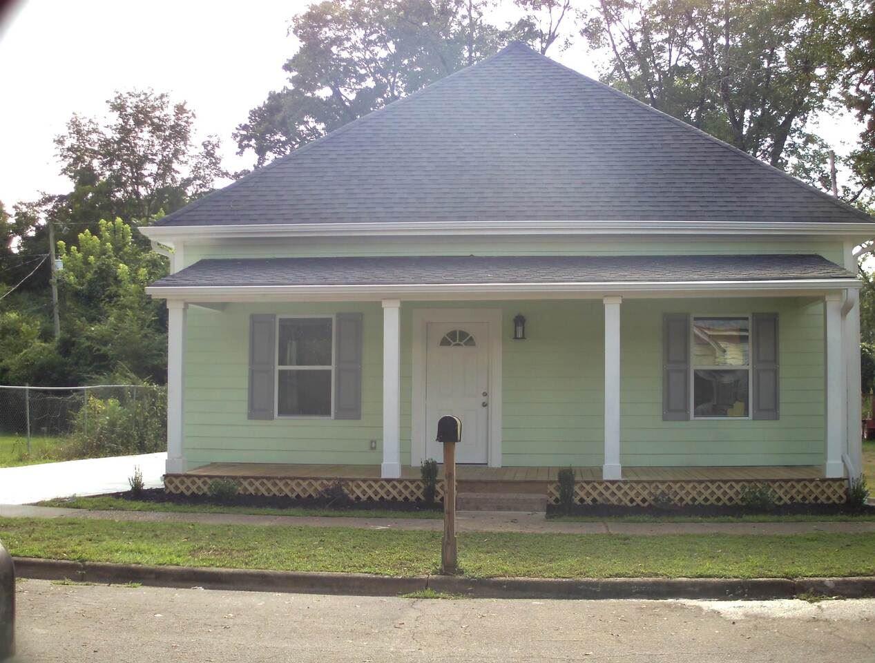 110 International Street, Hogansville, GA 30230 - #: 9039439
