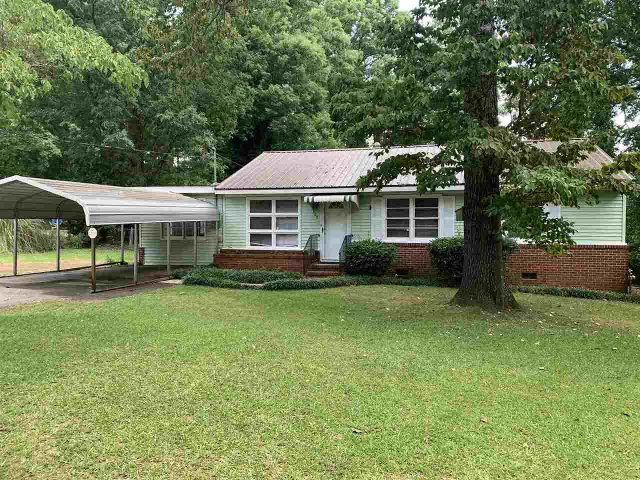 103 Pine Ave, Griffin, GA 30224 - #: 8994458