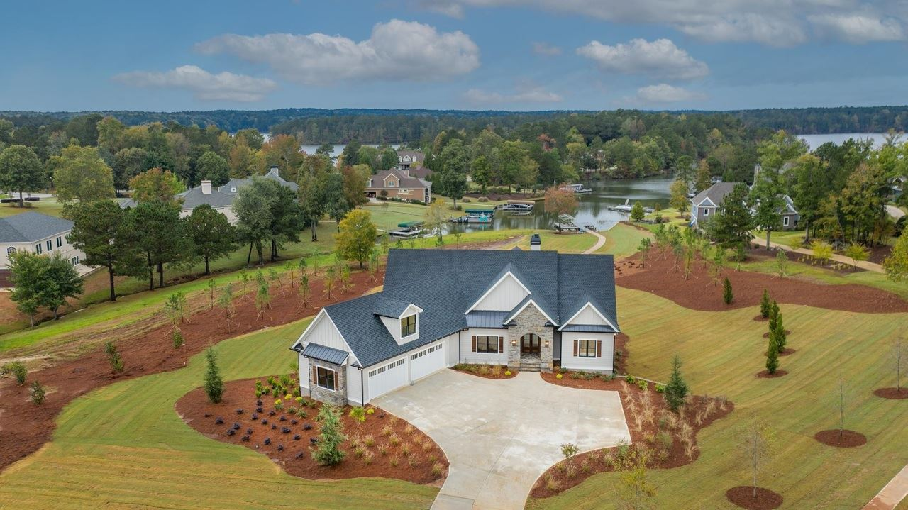 2041 Clearwater Dr, White Plains, GA 30678 - MLS#: 8991464