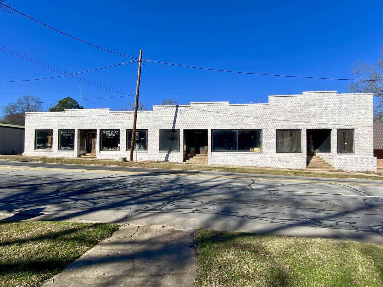Photo of 208 E Broad St, Greensboro, GA 30642 (MLS # 8932502)