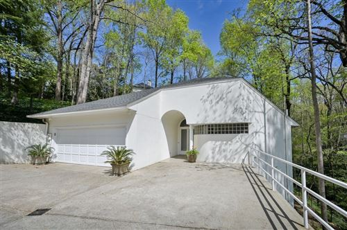 Photo of 625 Idlewood Dr, Atlanta, GA 30327 (MLS # 8962519)