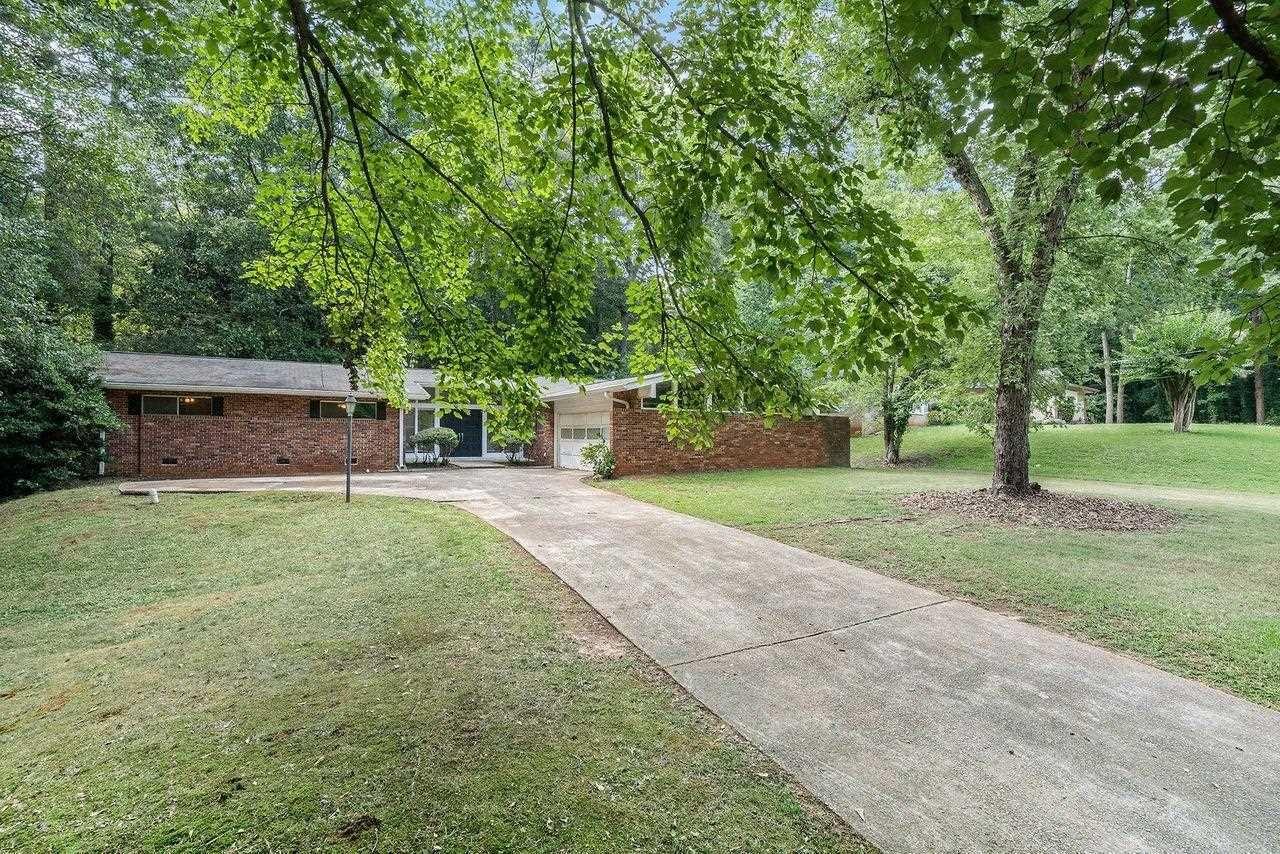 578 Hawkeye Drive, Stone Mountain, GA 30083 - #: 9022577