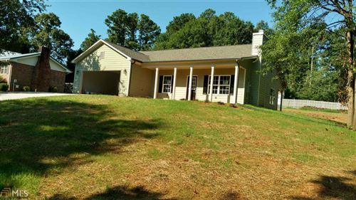 Photo of 525 Lois Lane, winder, GA 30680 (MLS # 8819609)