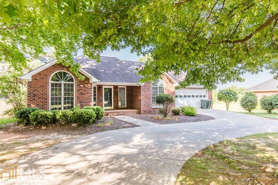 Photo for 1060 Taylors Dr, Watkinsville, GA 30677 (MLS # 8620614)