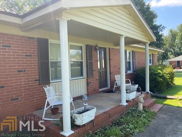 Photo of 310 N Hospital Rd, Sandersville, GA 31082 (MLS # 8837696)