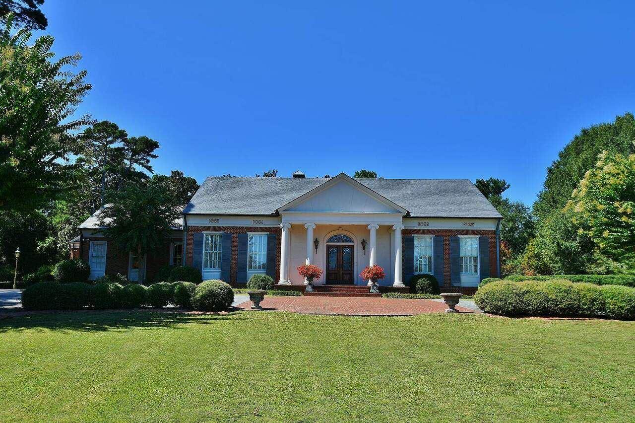 1571 Blue Ridge Dr, Gainesville, GA 30501 - MLS#: 8862698
